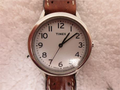 Timex Indiglo Watch WR 30M with Brown Leather Band