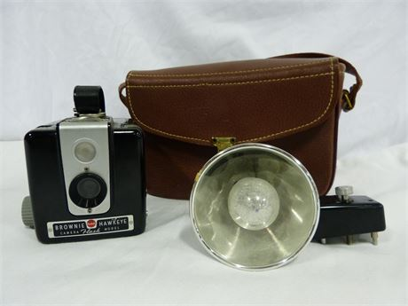 Vintage Kodak Brownie Hawkeye Flash Model Camera