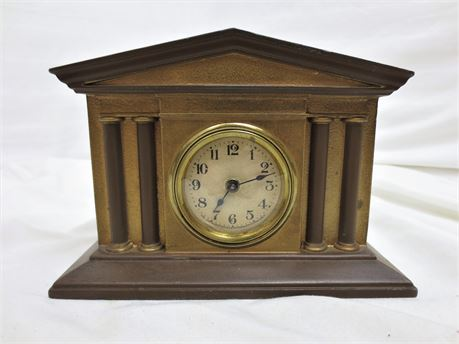 Vintage The Lux Clock MFG Co. Wind Up Mantle Clock