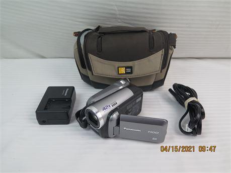 Panasonic SDR-H40P 40GB Hybrid HDD SD/SDHC 42x Optical Zoom Camcorder w/ 4GB SD
