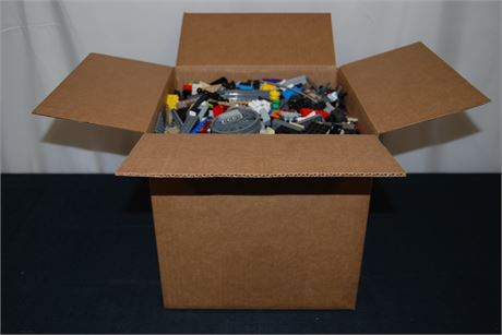 18lbs Of Unsorted Mixed Legos (500)