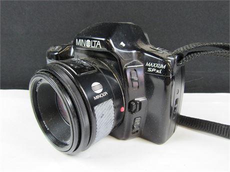 Minolta Maxxum SPxi SLR 35mm Camera (650)