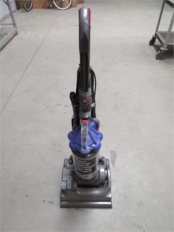 Dyson DC33 Multi-Floor Upright Bagless Vacuum Cleaner - Local PU Bakersfield, CA