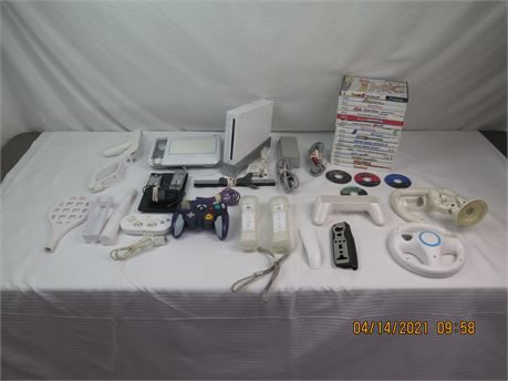 Nintendo Wii RVL-001 Game Console w/ Controllers, Extras, GameCube & Wii Games