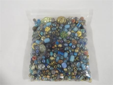 Lot of Mixed Beads (230-LV23VV)