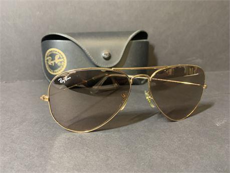 Ray Ban Aviator Sunglasses + Sunglasses Case