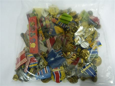 About 2lb of Military Army Assortment of Pins