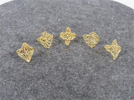 Lot of Five Gold Tone Rings (LV5UU)