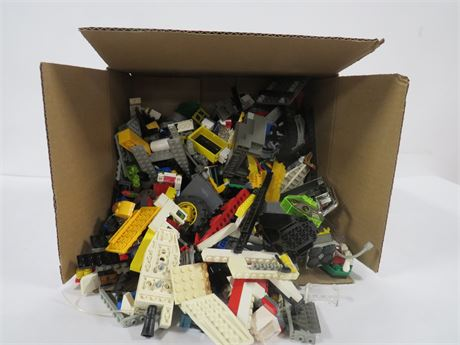 Lot of Legos (230-LV3UU)