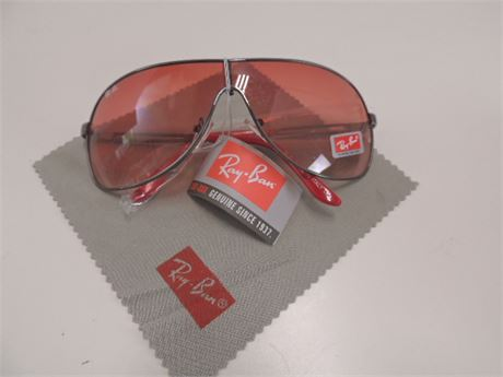 RAY BAN Sunglasses NEW With Case