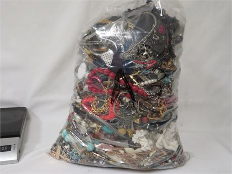 Lot A3 Assorted Jewelry 17lbs