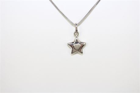 "3.1 g 14k White Gold Star W/ Heart Pendant Necklace 18"""