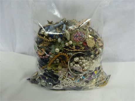 About 10lb Lot of Unsorted Mixed Costume Jewelry