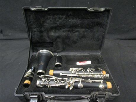 Armstrong 4001 Bb Clarinet with Case