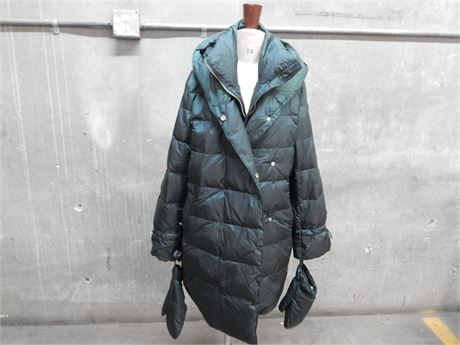 Zara Hooded Down Coat with Mittens Size M (270/R2S2)