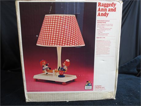 Vintage Fully Function Nursery Originals Inc. Raggedy Ann and Andy Lamp/Music