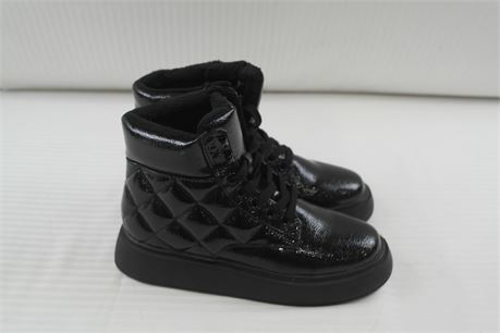 H & M  Womens Black Quilted Boot Size 7