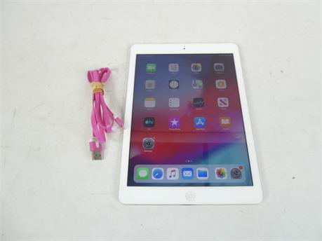 Apple iPad A1475 16GB, Wi-Fi Cellular Verizon 9.7in White & Silver