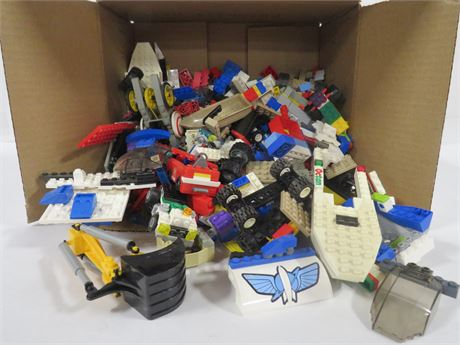 Lot of Legos (230-LV7UU)