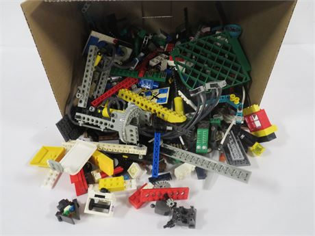 Lot of Legos (230-LV9UU)