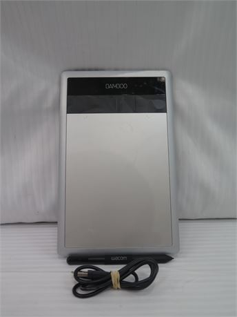 Wacom Bamboo CTH-470 Drawing Graphics Tablet (670)