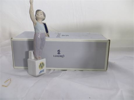 LLADRO:  7513, Boy with Olympic Torch