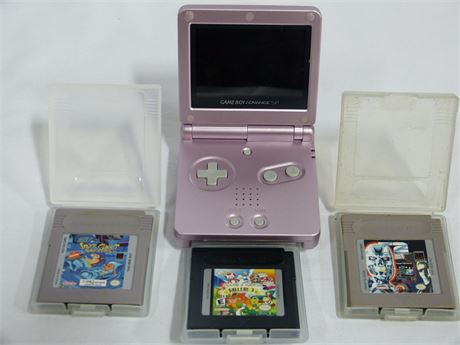 Nintendo GameBoy Advanced With 3 Games