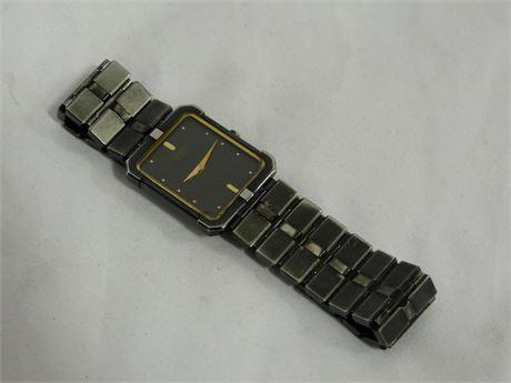 Seiko Quartz 5240 R Japan SP30 Unisex Watch