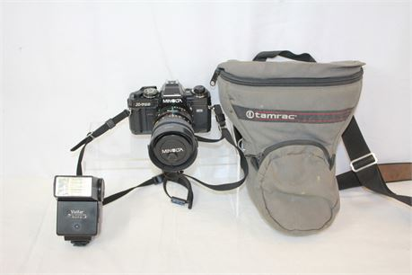 Minolta X-700 35 mm Film Camera W/ Travel Case