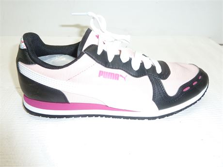 Womens Puma Athletic Shoes: Pink,Size 8.5,