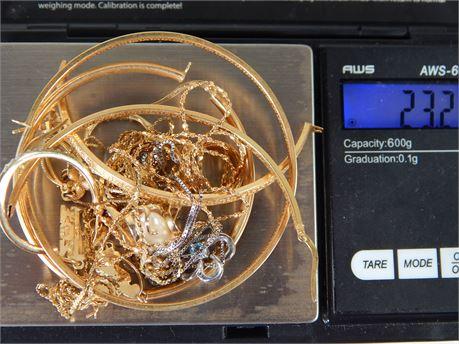 14 K Yellow and White Gold Scrap Lot 23.2 grams (270SA23)