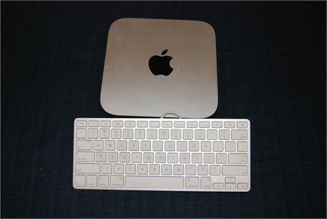 Apple Mini Mac with Keyboard (500)