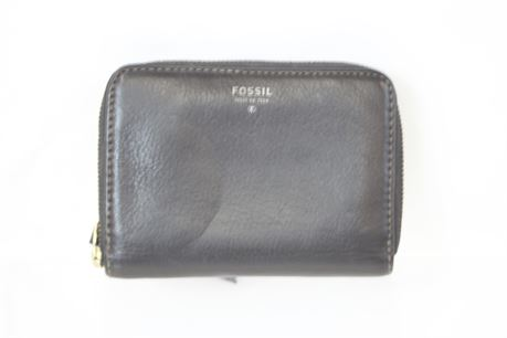 Fossil Black Leather Zip Up Wallet
