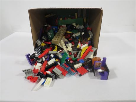 Lot of Legos (230-LV1UU)