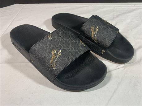 Gucci Unisex Sandals Size 7