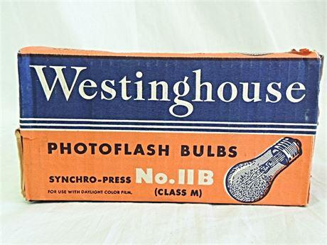 Vintage Westinghouse Photoflash Bulbs No. 11B Class M 8Pk NOS (649-J)