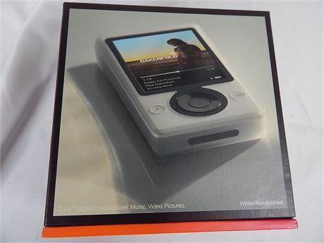 Zune Refurbished 30 GB1 Digital Media Player White (270r5s2)