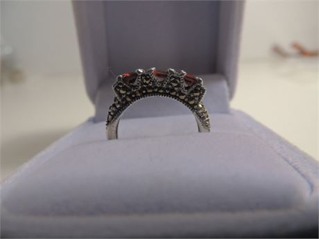 4.6 Gram Sterling Silver Size 8 Garnet and Marcasite Ring
