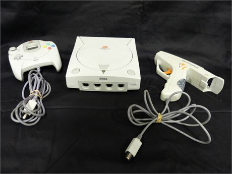 Sega Dreamcast Console W/ 1 Controller and Accessory Gun