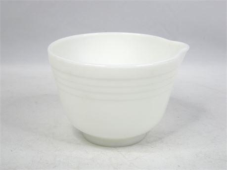 "Vintage White Ribbed Pyrex Hamilton Beach Mixing Bowl 6.5"" Milk Glass #9 w/Spout"