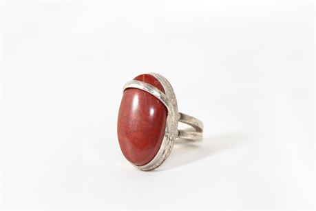 Vintage Unsigned Sterling Silver Ring W/Red Stone, Size 7.75