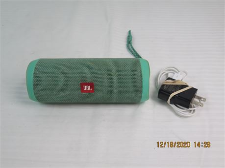 JBL FLIP 4 Portable Waterproof Wireless Bluetooth Speaker (670)