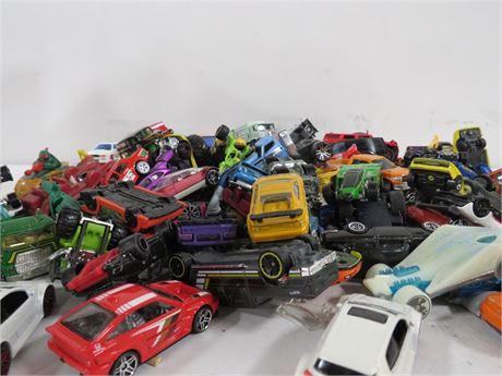 Lot of mixed cars 10.5lbs (230-LV1NNN)