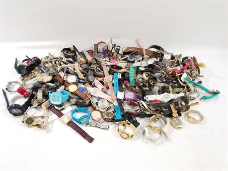 Unsorted Watch Lot. Approx 22 Lbs.