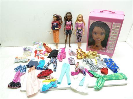 Vintage Barbie Lot; 3 Barbie Dolls, Clothes, Accessories & Case(2001)