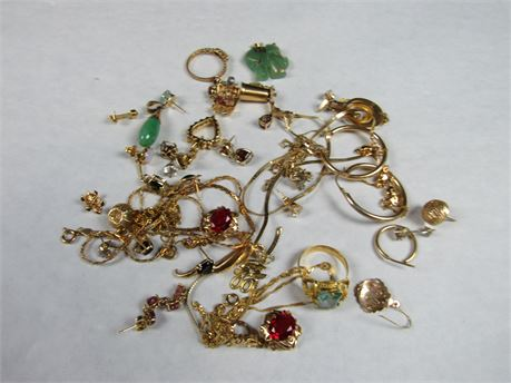 14k Gold Lot Some Wearable Some Scrap 61.4g (650)