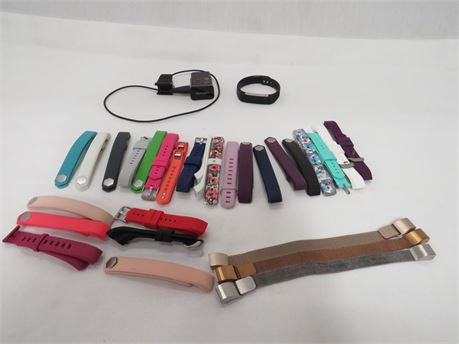 Fitbit Alta HR Fitness Tracker Wristband w/ 28 Interchangeable Bands - Tested