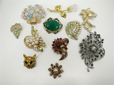 Lot of 11 Vintage Brooches/Pins