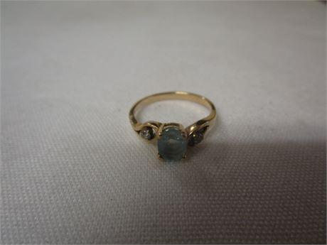 14 Karat Yellow Gold Ring w/ Blue Stone & Two Small Diamonds 2.22 Grams Size 6