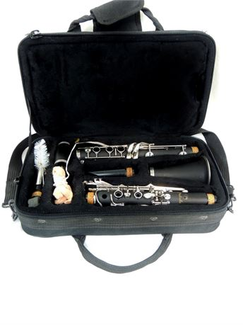 Prelude Clarinet w/2 Mouthpieces & Soft Sided Case - AS-IS